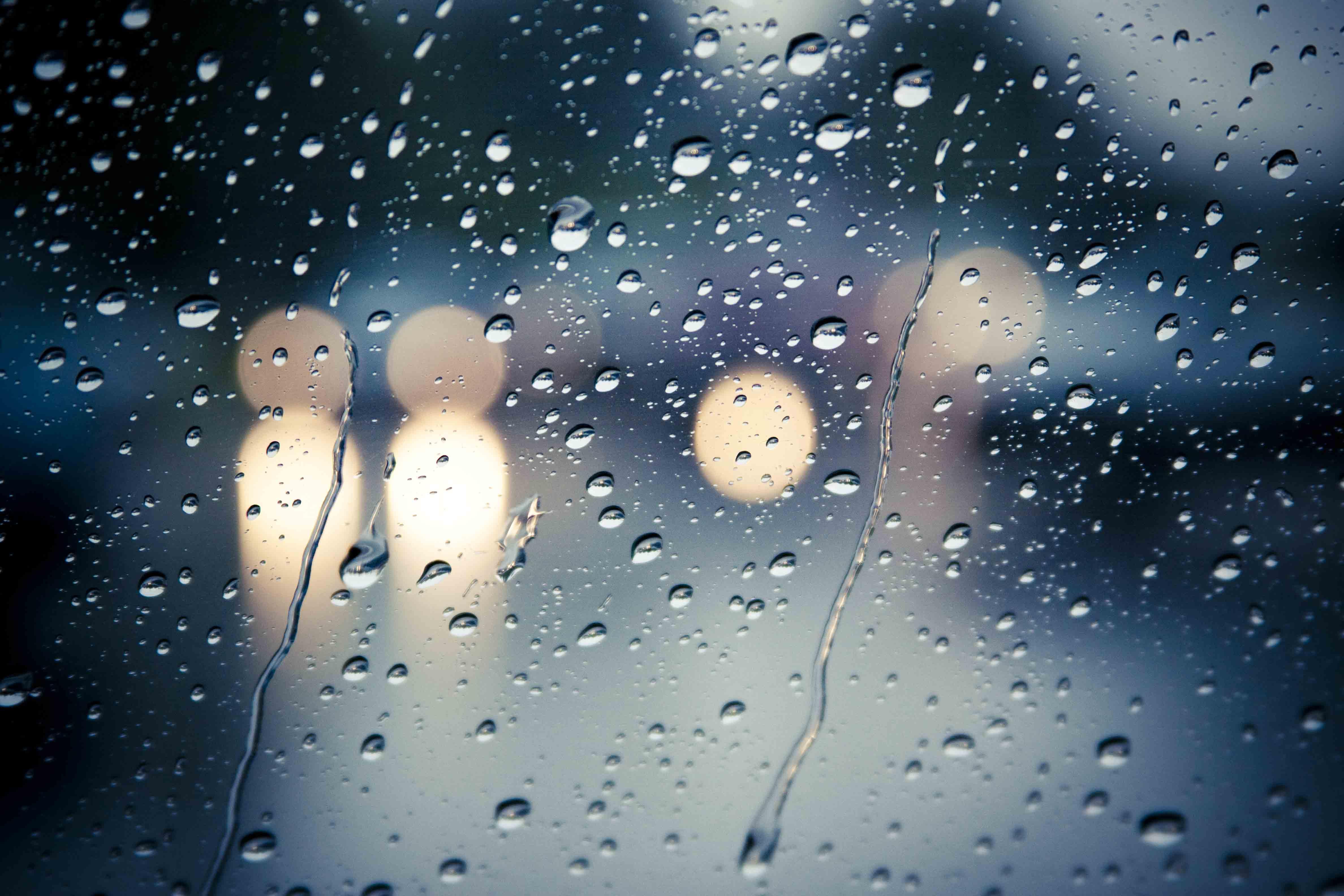 Hujan Deras Mati Lampu Kepergianmu Dan Kegelapanku
